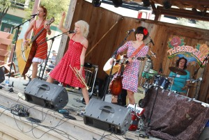 KatzenJammer Girls at Threadgill's
